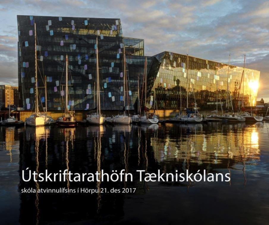 Útskrift verður 25. maí 2018 kl. 13 og kl. 16.